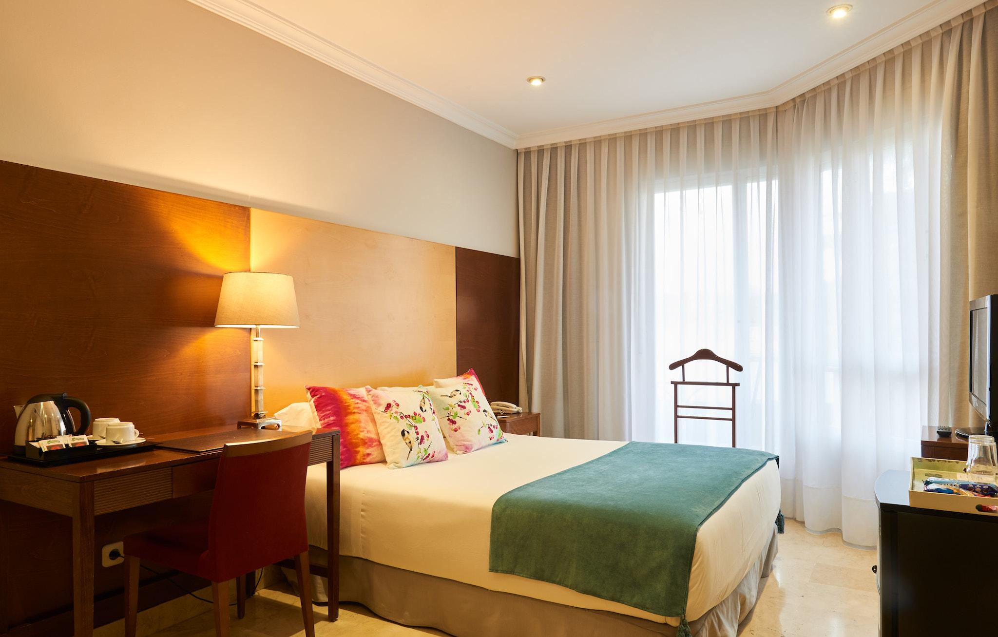 Habitaci n est ndar hotel suites barrio de salamanca madrid for Codigo postal del barrio de salamanca en madrid