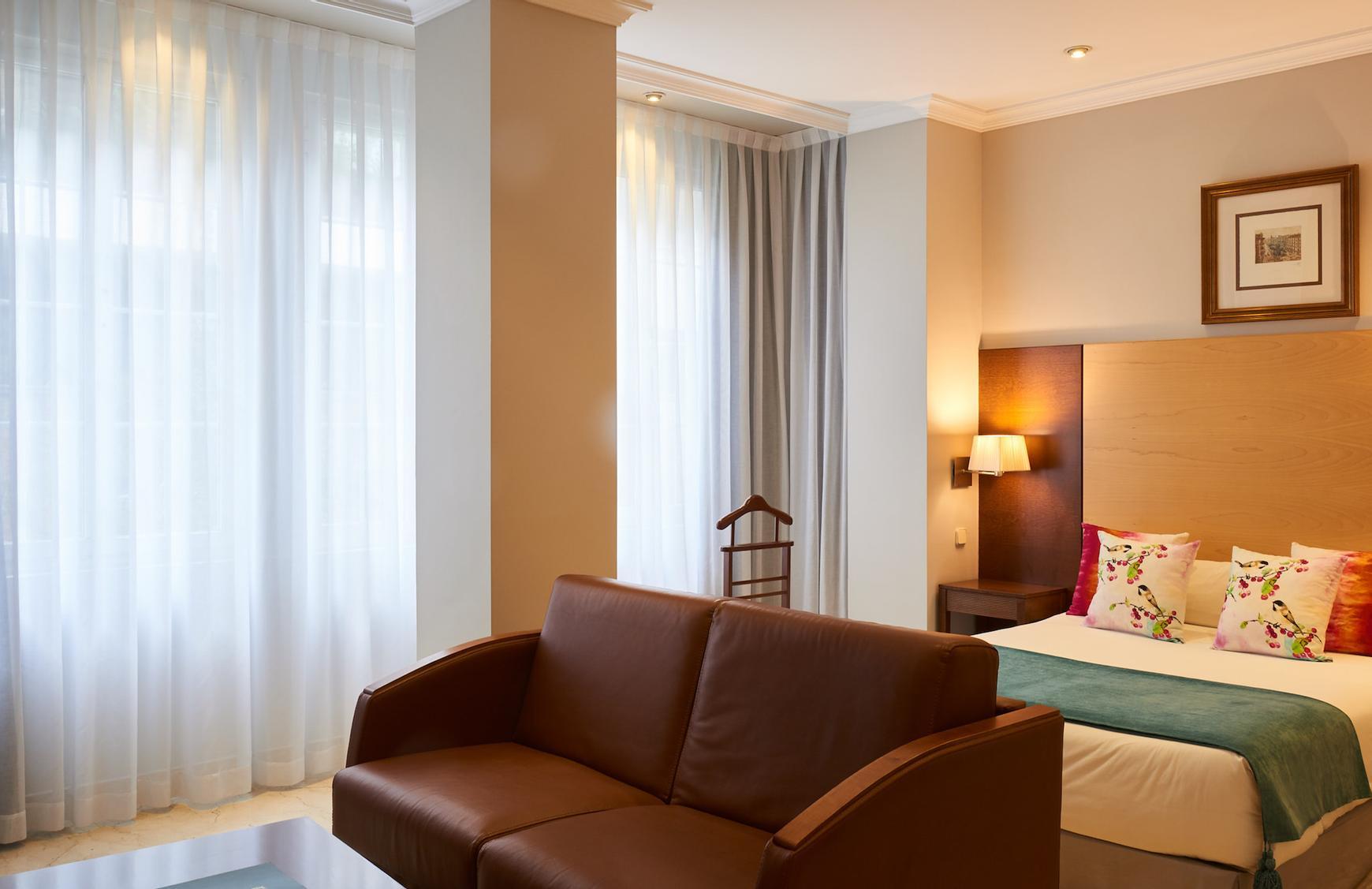 Junior suite hotel suites barrio de salamanca madrid for Codigo postal del barrio de salamanca en madrid